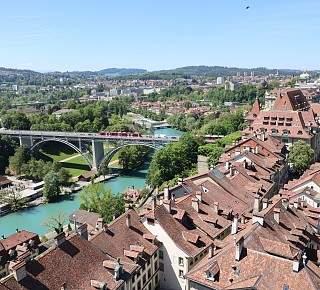 dating i Bern Schweiz någon Duggars dating Bates